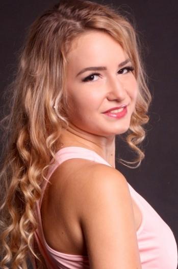 Alyona age 22