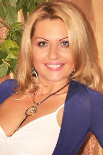 Elena age 41