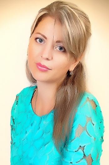 Olesya age 36