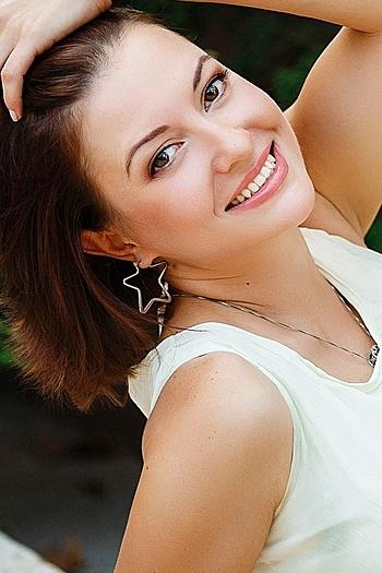 Yanina age 39