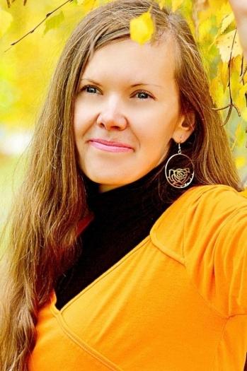 Elena age 37