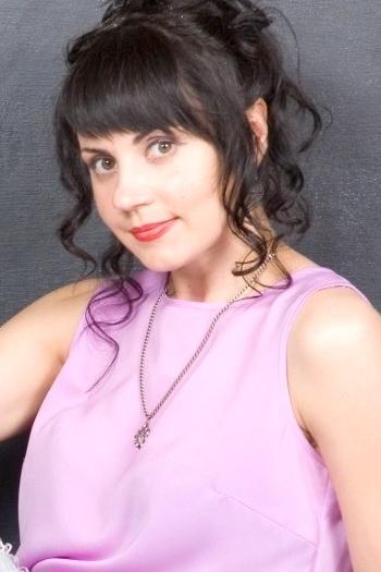 alena age 43
