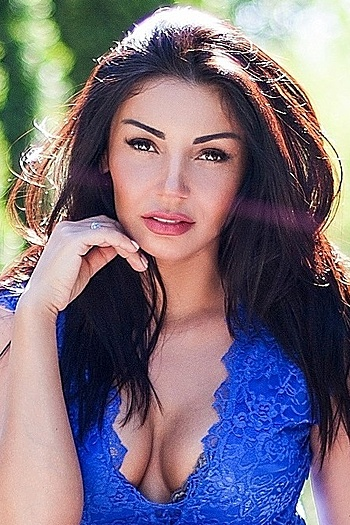 Viktoria age 37