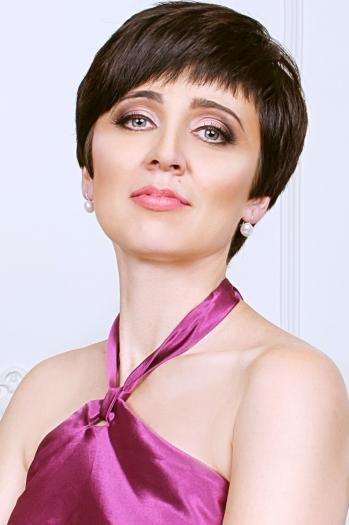 Nataly age 43