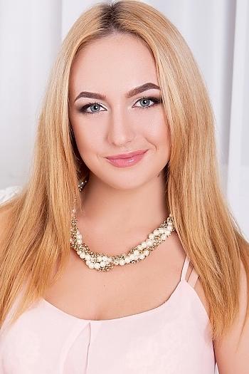 Lisa age 21
