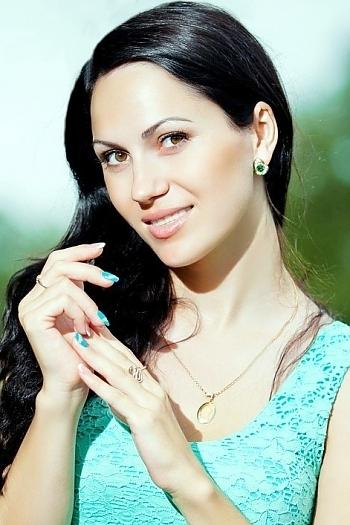Oksana age 29