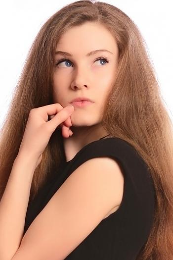 Victoriya age 22