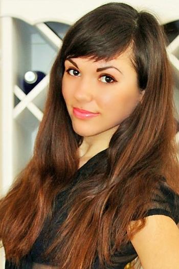 Victoriya age 24