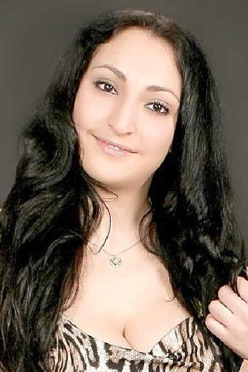 Elvira age 31