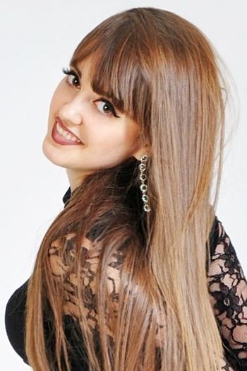 Maria age 25