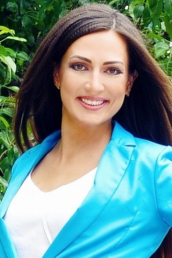 Ekaterina age 32