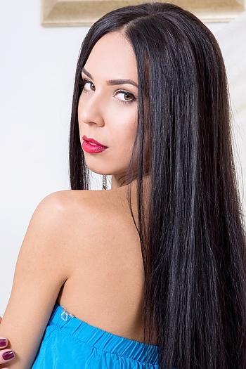 Elena age 33