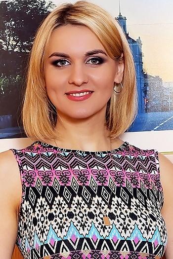 Juliya age 31