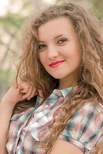 Inessa age 21