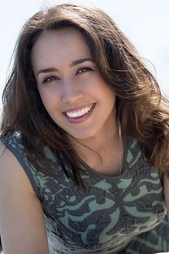 Vera age 32