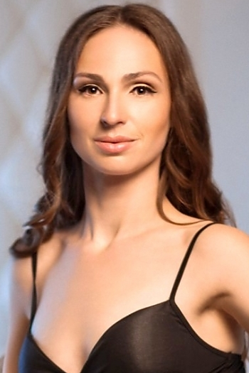 Alexandra age 34
