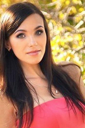 Viktoriya age 27
