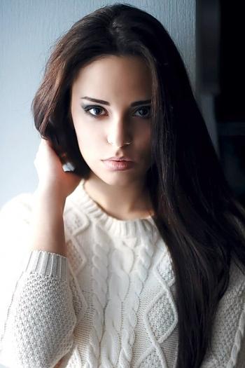 Alexandra age 24