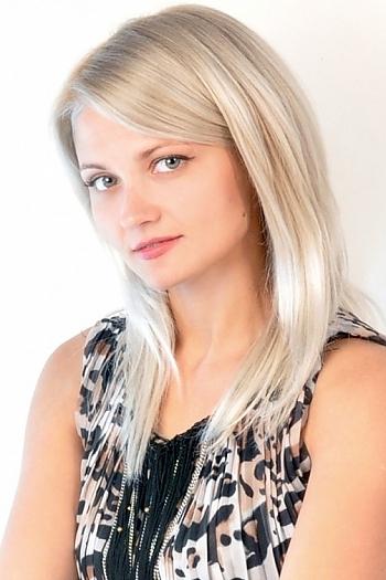 Anastasia age 32