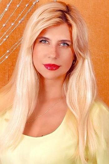 Anna age 33