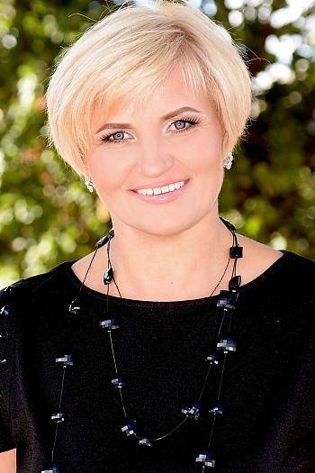 Oksana age 44