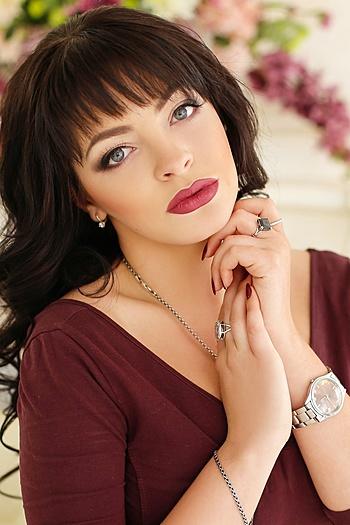 Viktoriya age 21