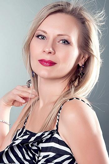 Oksana age 51