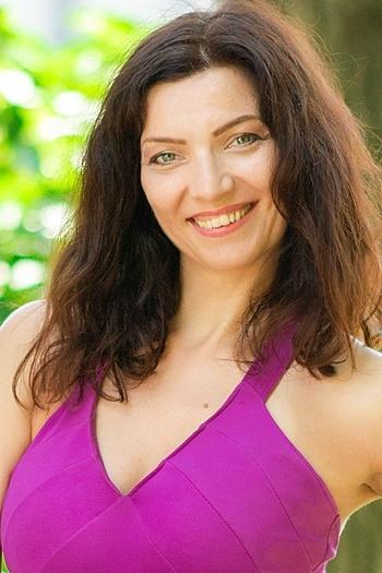 Viktoria age 43