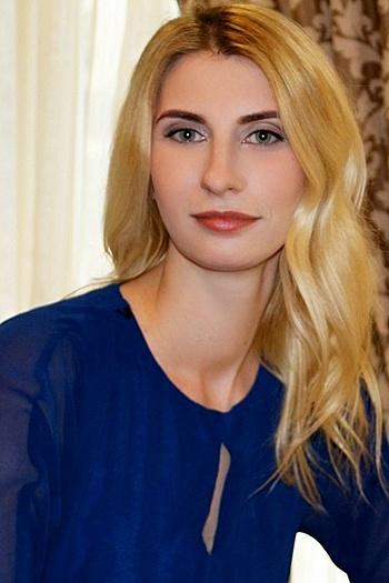 Olesya age 28