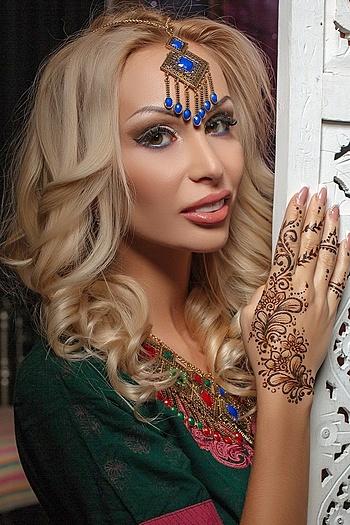 Alesya age 29