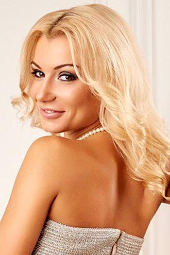 Masha age 29