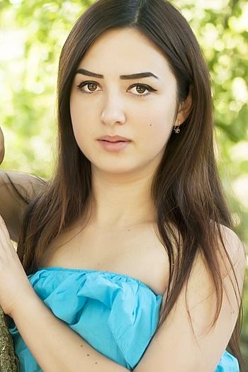 Oksana age 21