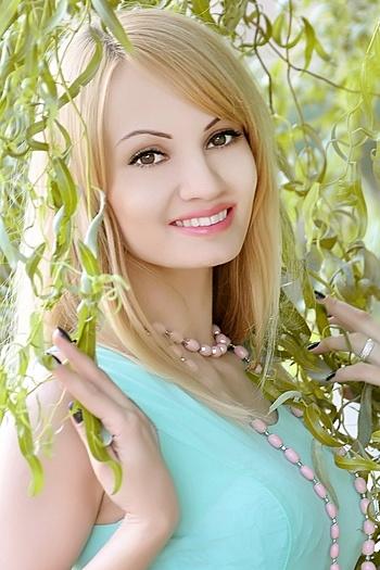 Oksana age 30