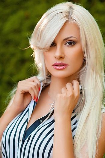 Viktoria age 36