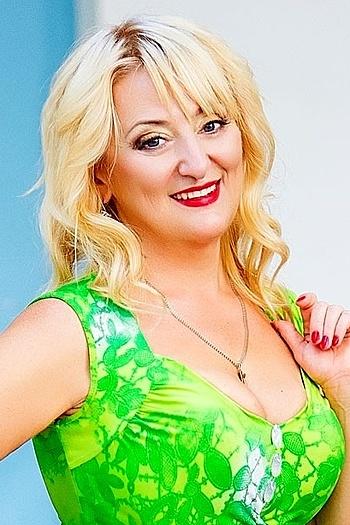 Viktoriya age 51