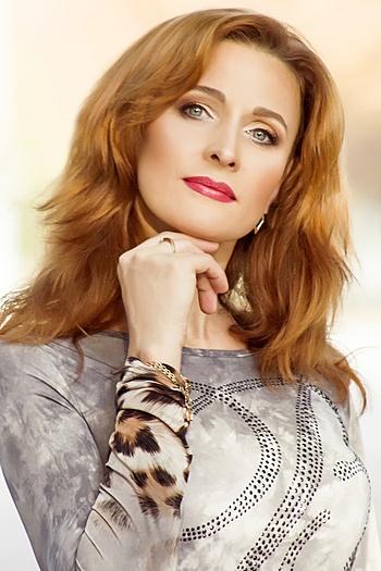 Oksana age 37