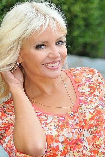 Alina age 43