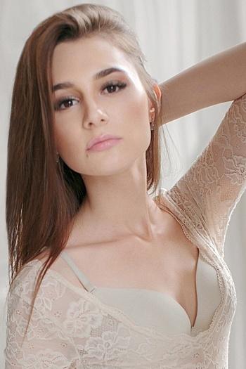Christina age 19