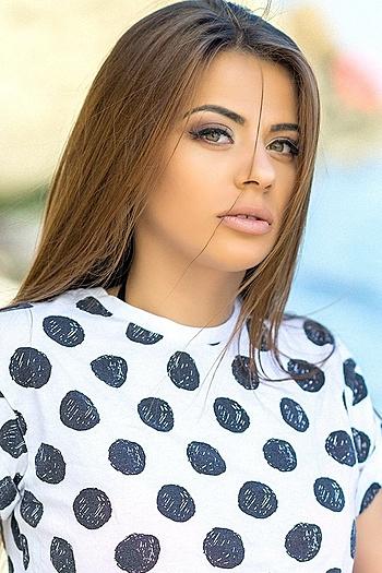Liliya age 23