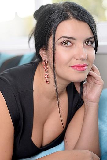 Christina age 37