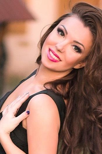 Lesya age 36