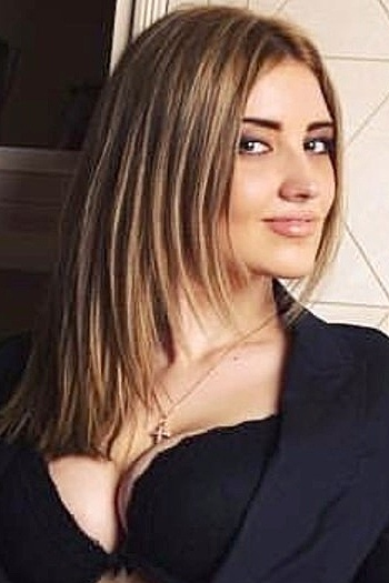 Alina age 25