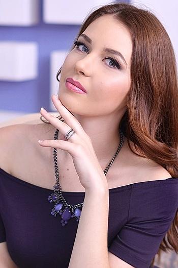 Elina age 21