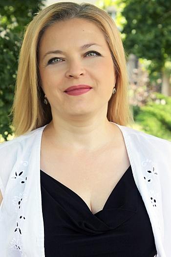 Victoria age 46