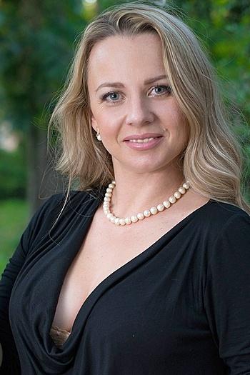 Anna age 37