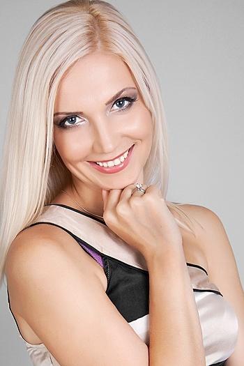 Lyudmila age 40