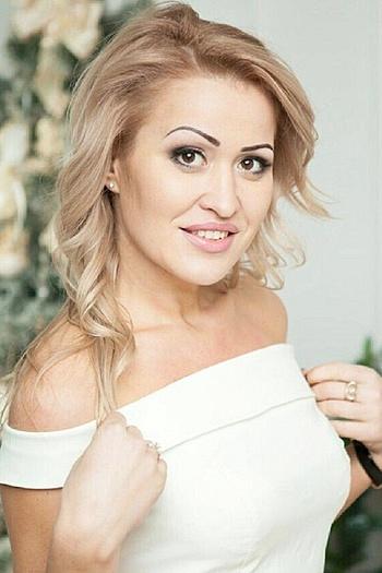 Victoriya age 36
