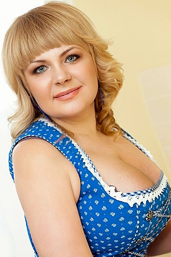 Anna age 40