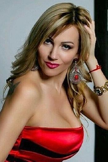 Oksana age 38