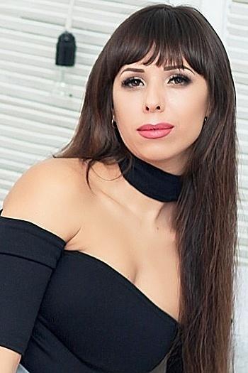 Juliya age 36